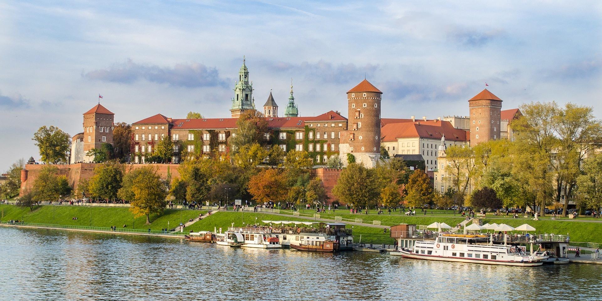 krakow-2893783_1920.jpg