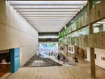 Queensland_Art_Gallery_Atrium_01